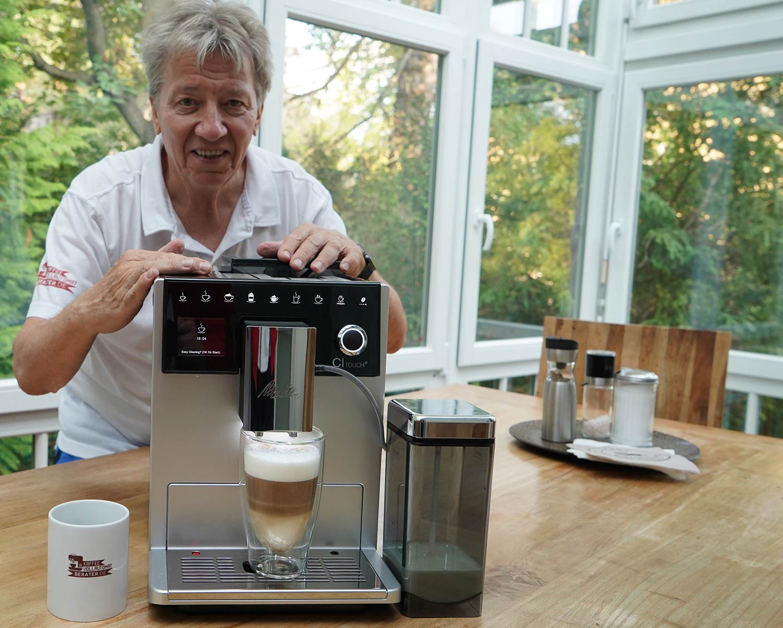 Melitta Kaffeevollautomat mit leckerem Latte-Macchiato