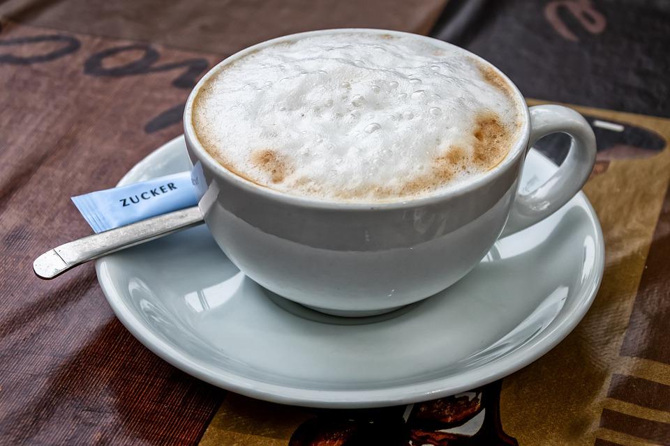 Milchaufschäumer für Cappuccino