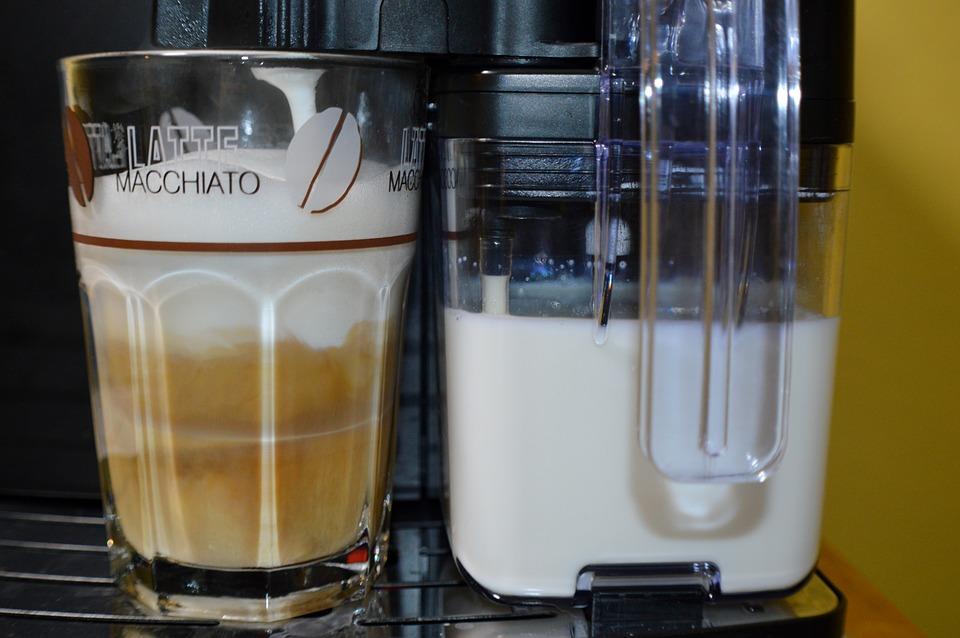 Milchaufschäumer beim Kaffeevollautomat